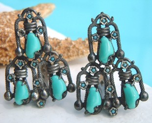 Vintage_pair_dress_clips_faux_turquoise_nuggets_art_deco_snake_1940s