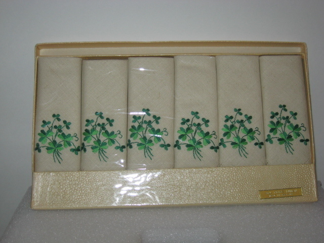 Vintage Embroidered Cloverleaf Linen Tea Napkins NRFP