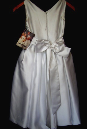 Flower_girl_dress_joan_mccauley_back