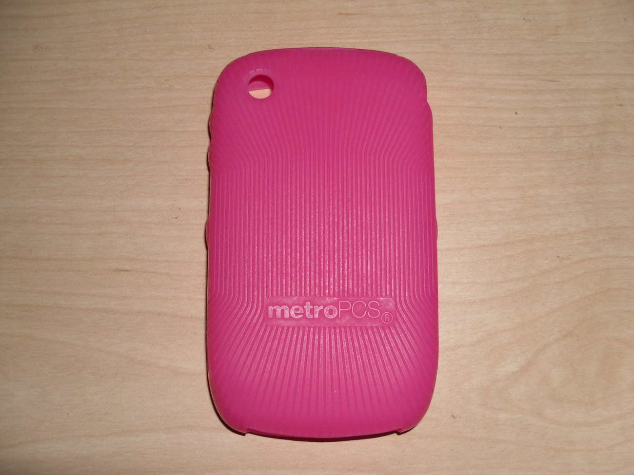 Blackberry_pink_sponge_case_back