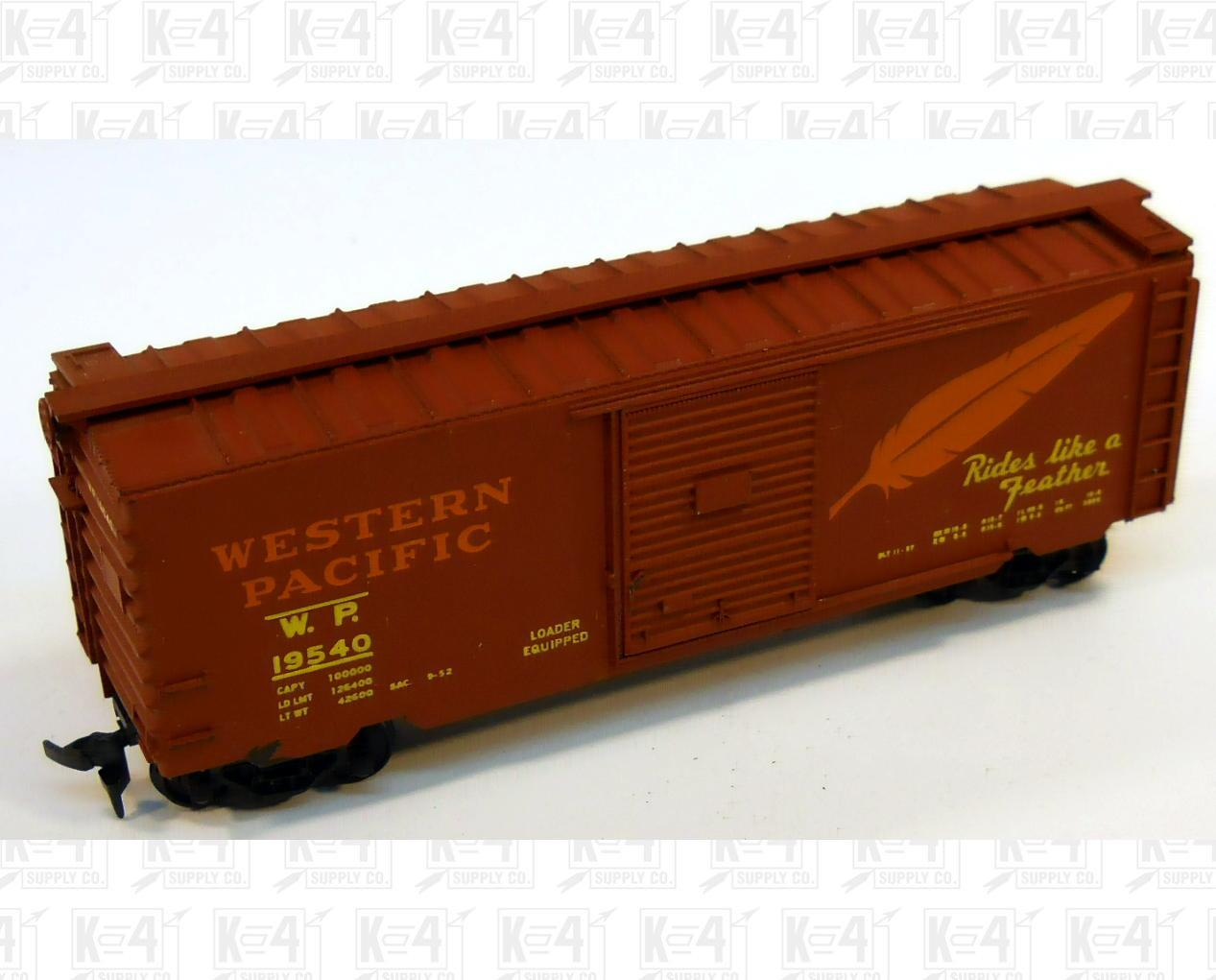 Athearn Accurail HO 40  Single Door Boxcar Western Pacific