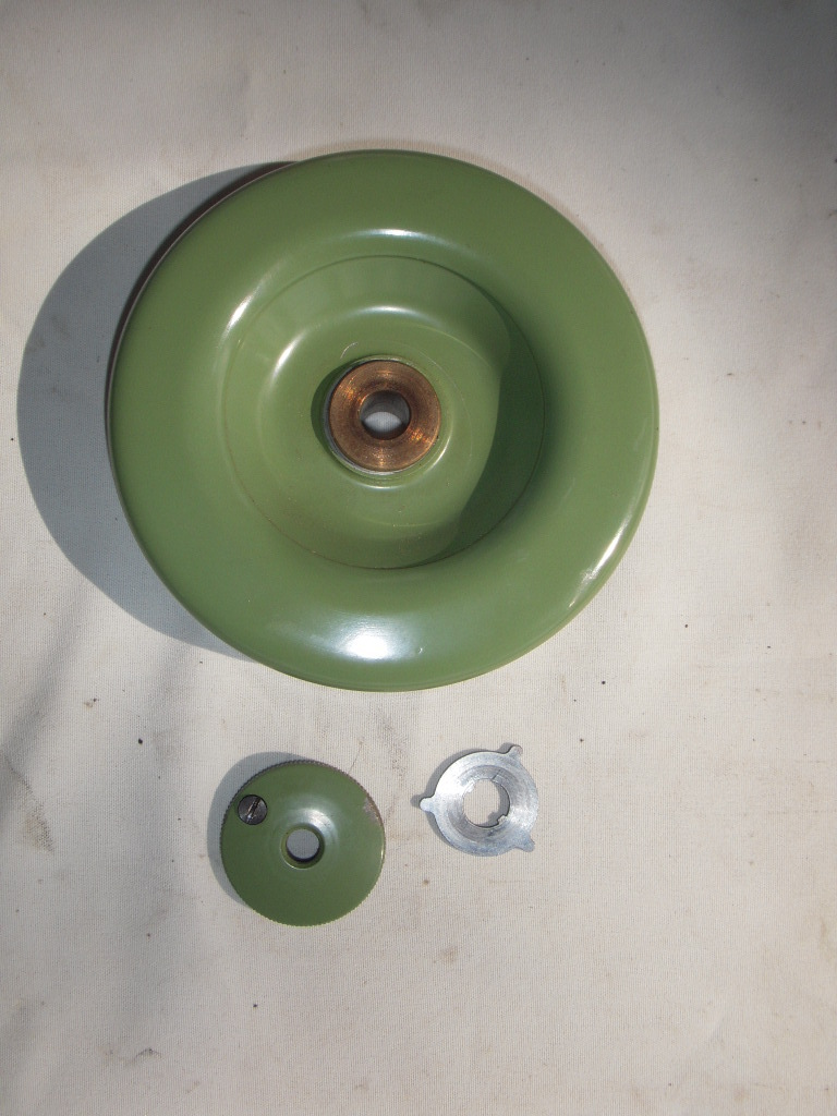 Hand Wheel and Clutch Knob for a ELNA 722010 Transformer and Supermatic.