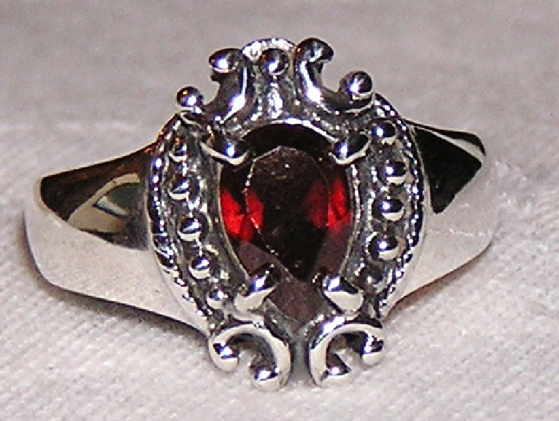 Garnet and Sterling Silver Crown Ring size 8