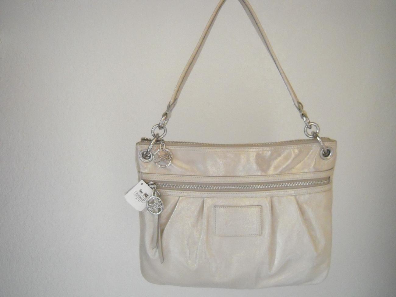 1df02b5ca96 chanel 1115 handbags replica chanel 1113 handbags for men online