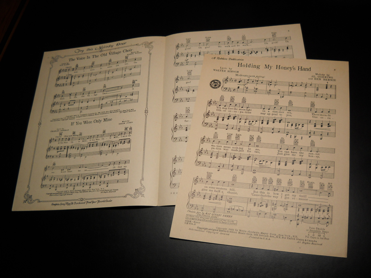Sheet_music_holding_my_honey_s_hand_bernie_cummins_1932_mgm_robbins_05