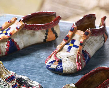 Pair Collectible Moccasins  Set 3 Polyresin Figurines
