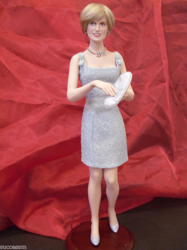 Franklin Mint Princess Diana Swan Lake Millenium  2000 Doll Limited Edition Hard