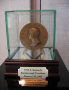 Official John F  Kennedy Inaugural Medal Glass Display