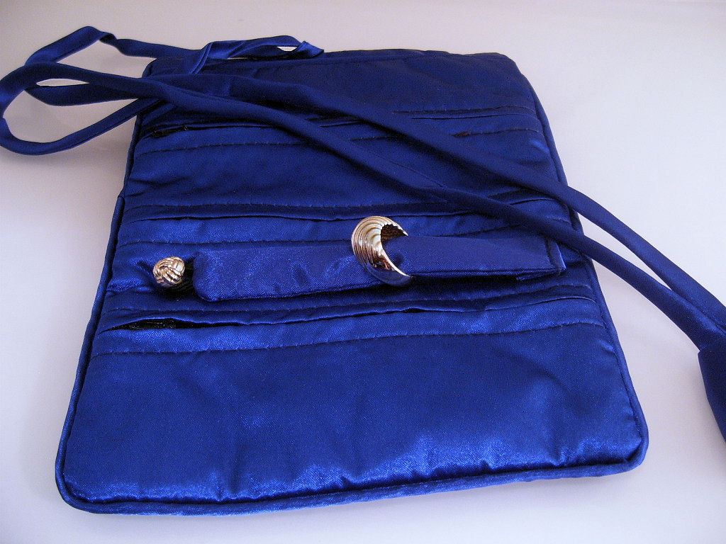 Jewelry_roll_silk_royal_blue__2_