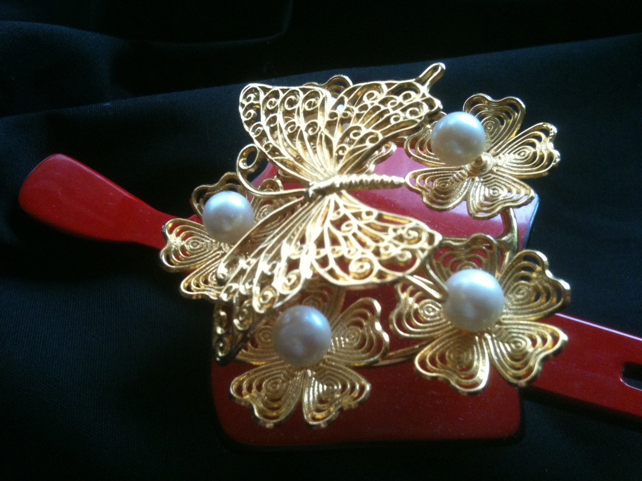 Retro Japanese gorgeous golden butterfly & pearl two-tone resin bridal kanzashi