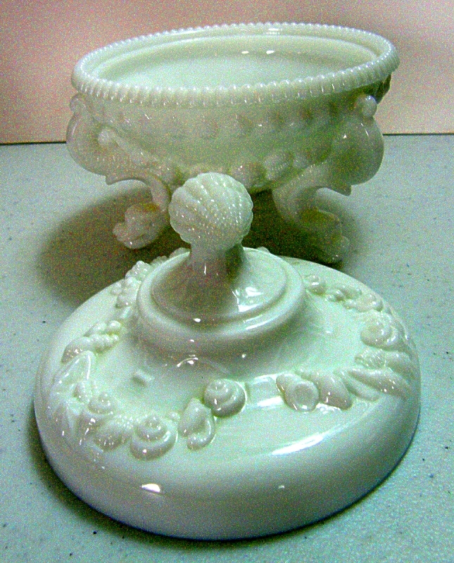 "Westmoreland # 1084 ""Argonaut"" Shell covered candy dish"