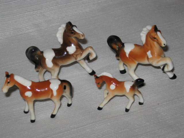 Vintage Miniature Bone China Palomino Horse Set ~ Japan
