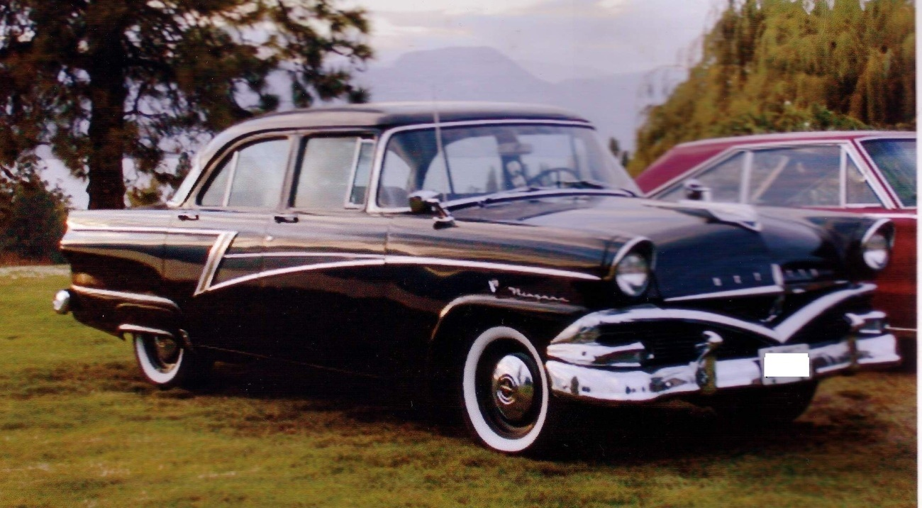 1956 Meteor Niagara 4 Dr Sedan Canadian Ford