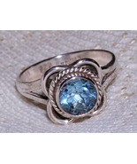 Blue Topaz Sterling Silver Daisy Ring size 6 3/4 - $28.00