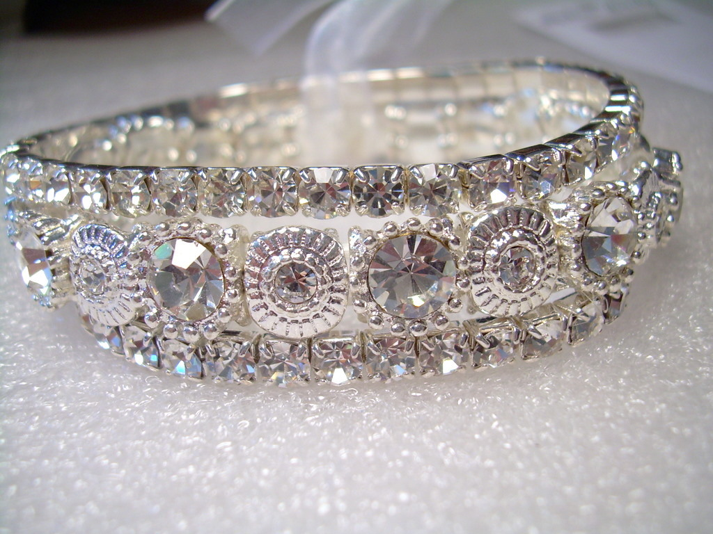 GENUINE AUSTRIAN CLEAR CRYSTAL BRACELETS great for Party/Wedding/Bridal