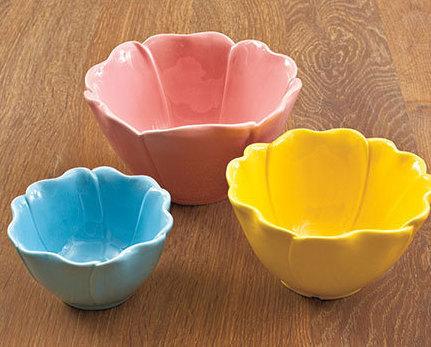 Image 0 of Set of 3 Flower Petal Bowls Ceramic