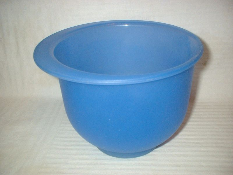 Vintage Tupperware Mixing Bowl 2 Liter Blue Transparent