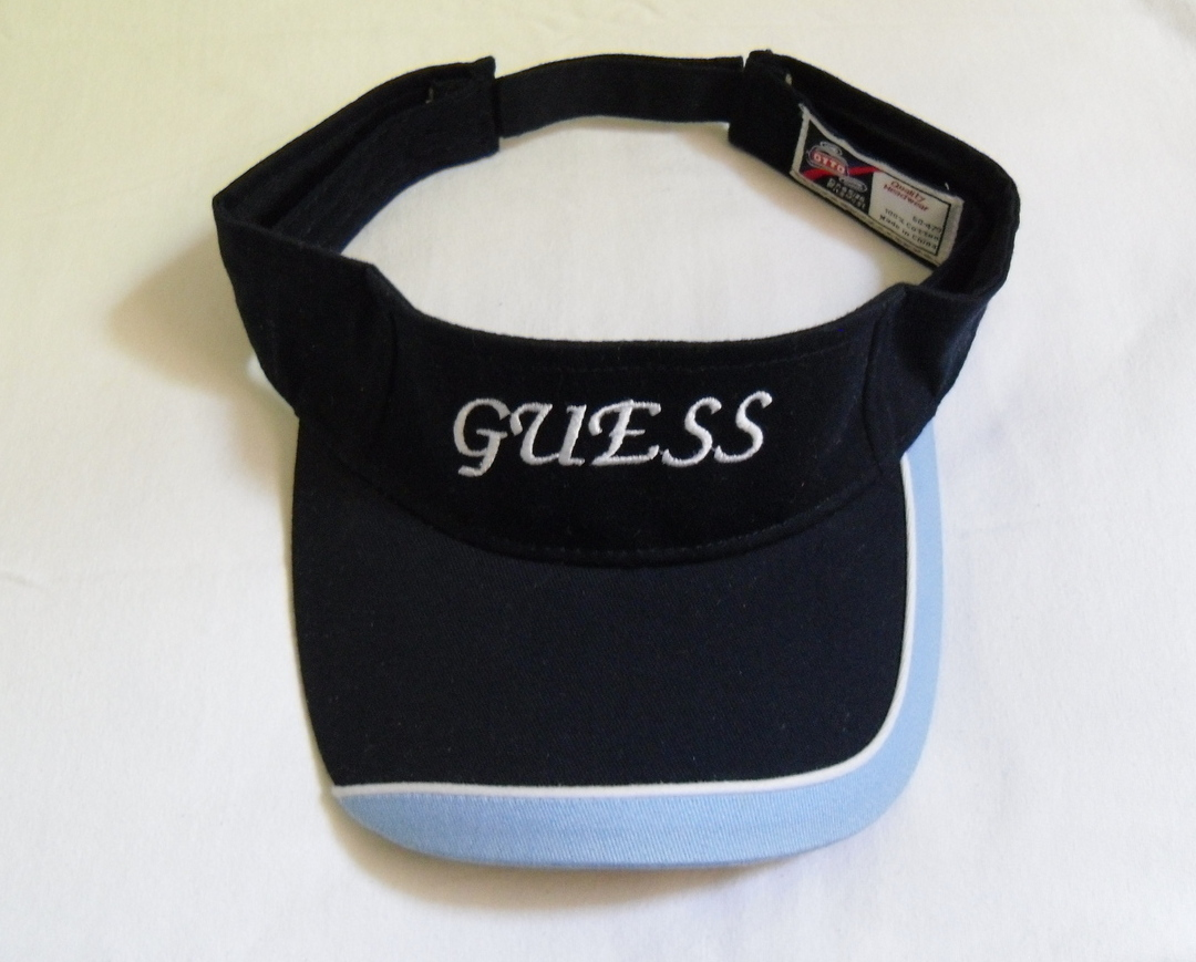 Navy_light_blue_visor_guess