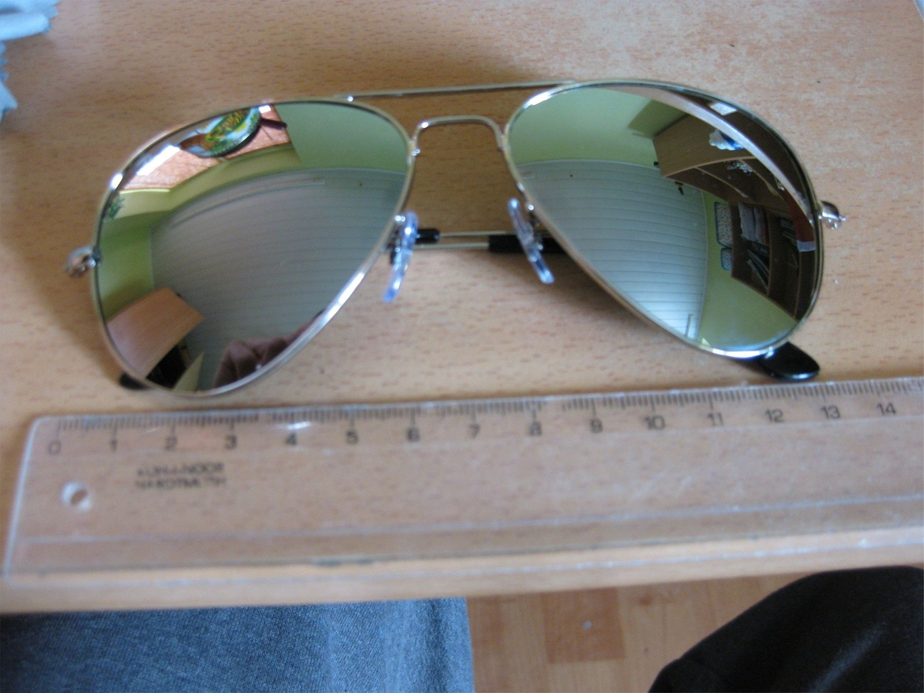 Tempered_glass_alloy_frame_sunglasses_with_uv400_uv_protection.3