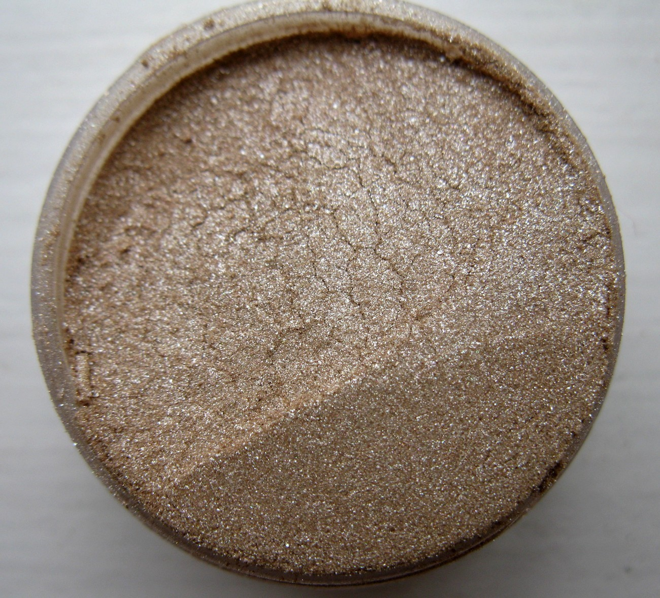 EYE SHADOW MINERALS FULL 5 GRAM SHADE: SAHARA SAND