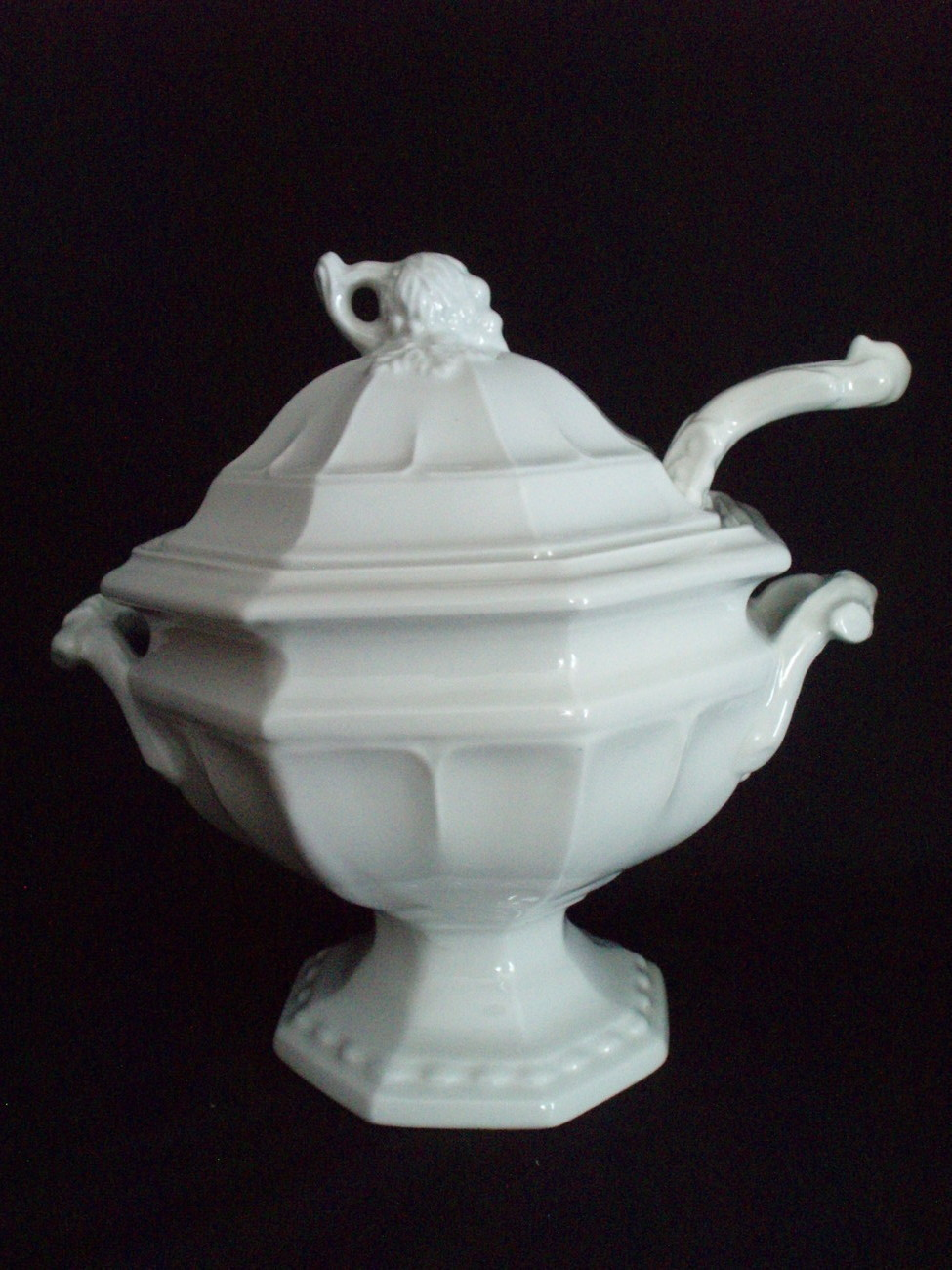 Red Cliff Ironstone Soup Tureen w/ladle Grape Leaf Antique