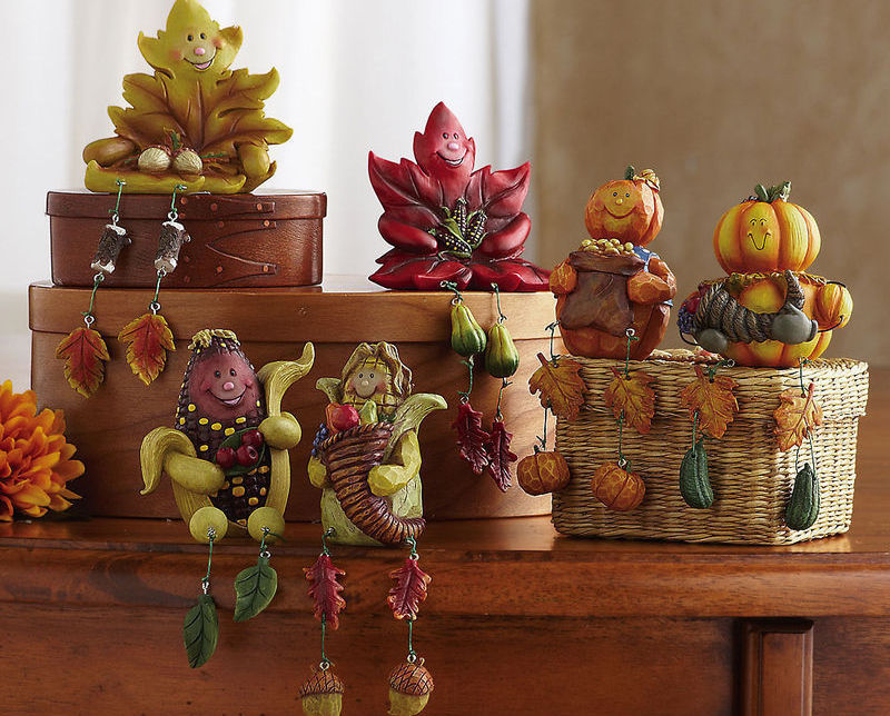 Image 0 of Autumn/fall Characters Collectible Sitter Set