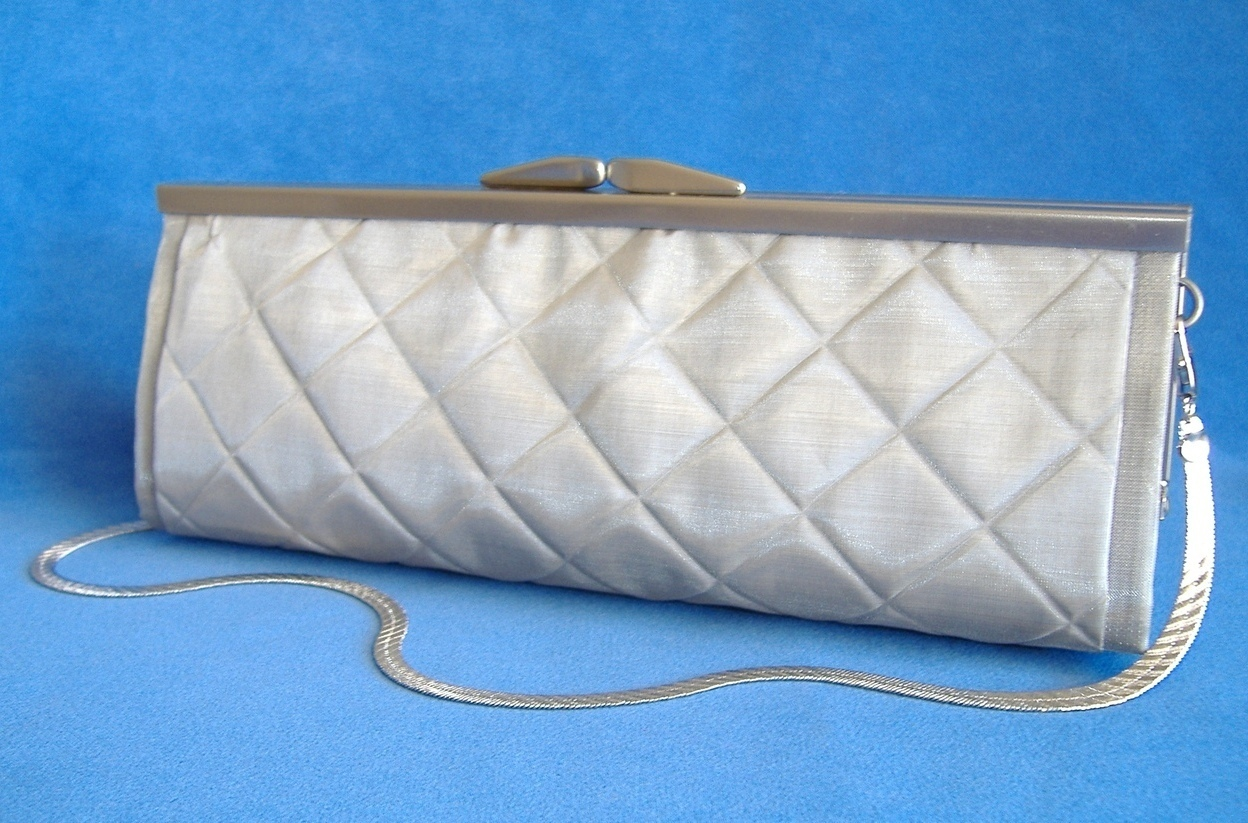 Dalila Purse Quilted Silver Wire Mesh Evening Bag Clutch Shoulder Strap