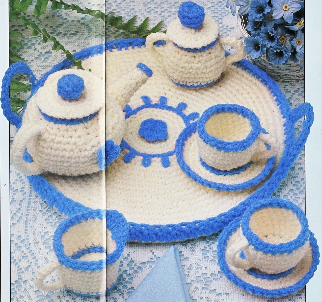 Free Amigurumi crochet patterns: Cup and Saucer