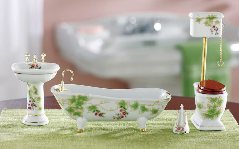 Decorative Collectible Miniature Bathroom Set Porcelin