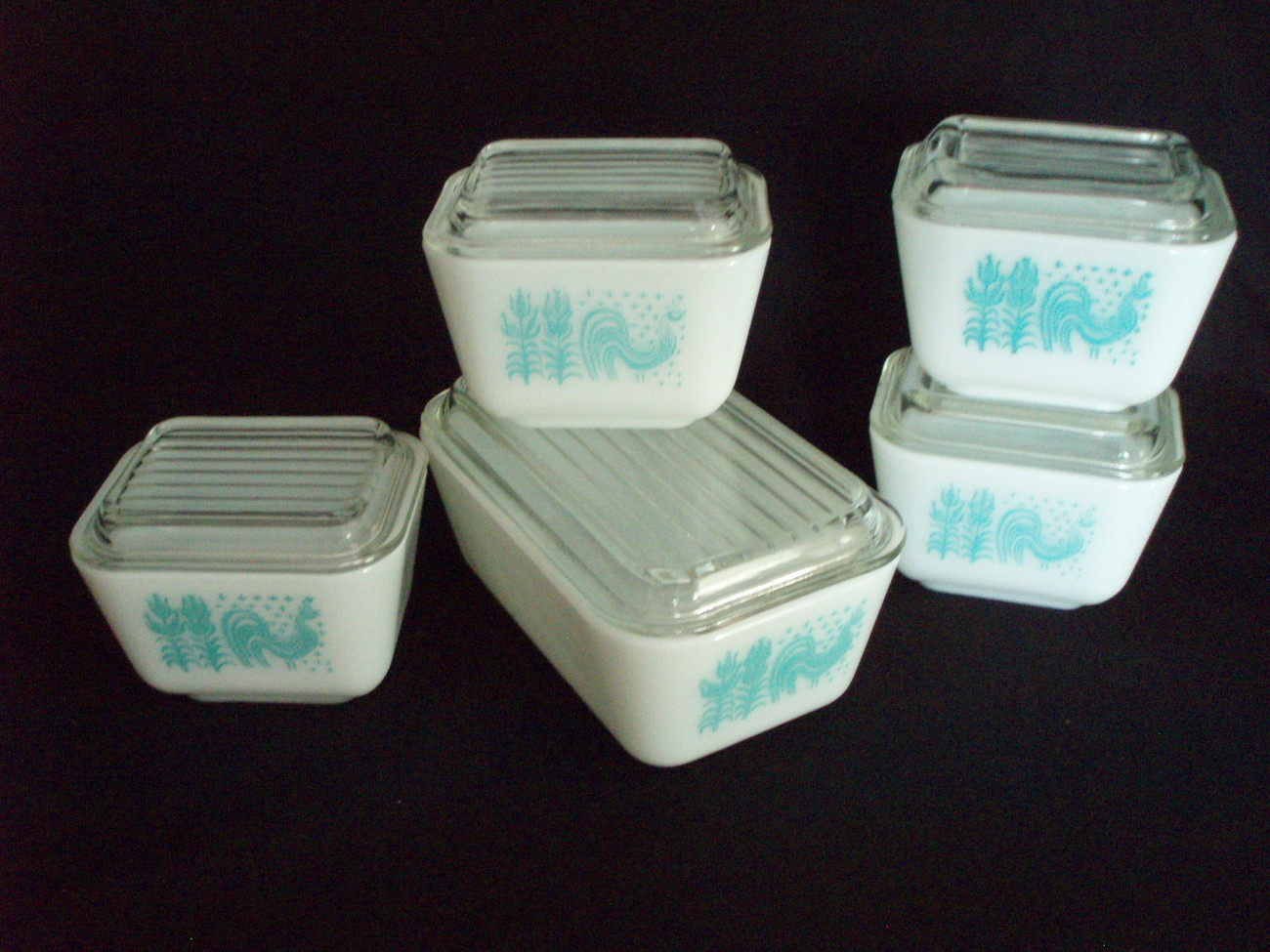 5 Pyrex refrigerator dishes Amish Butterprint