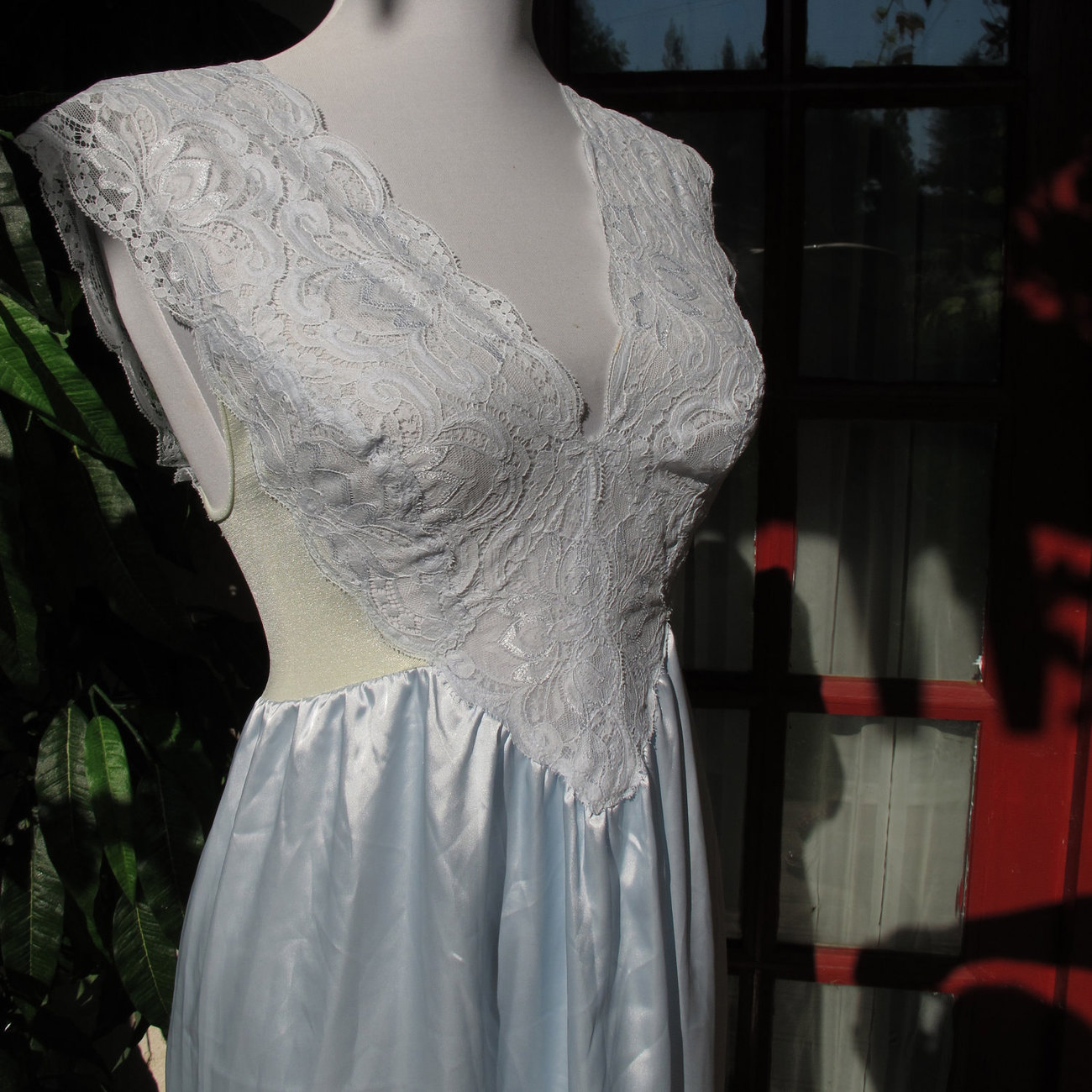 Vintage Olga nightgown rare Gold Label 92104 Large