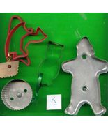 Lot of Metal and Plastic Cookie Cutters .....Lot K - $5.00
