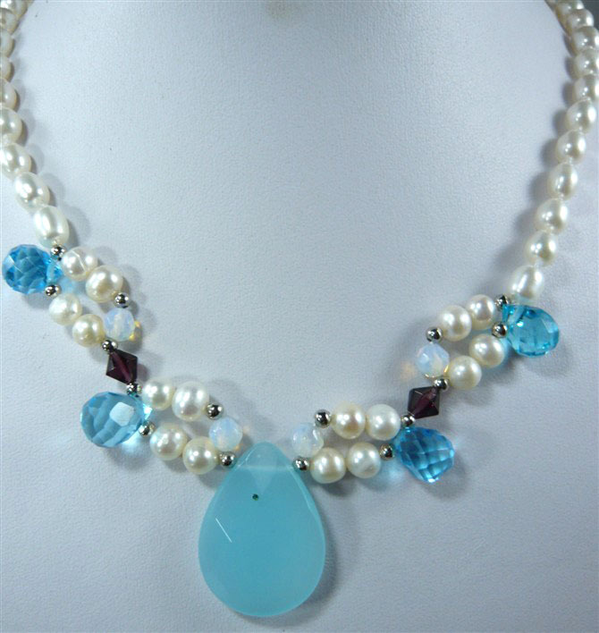 noblest cultured white pearl necklace 17inch  +blue jade pendant