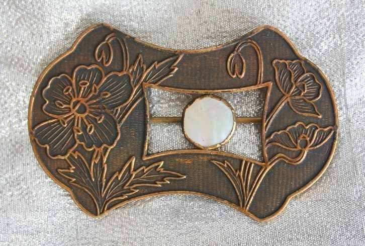 Victorian Aesthetic Movement Shell Flower Brooch