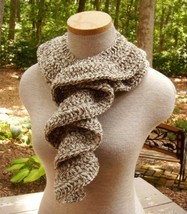 Cascade_of_ruffles_scarf_in_fisherman_oak_tweed_01_thumb200