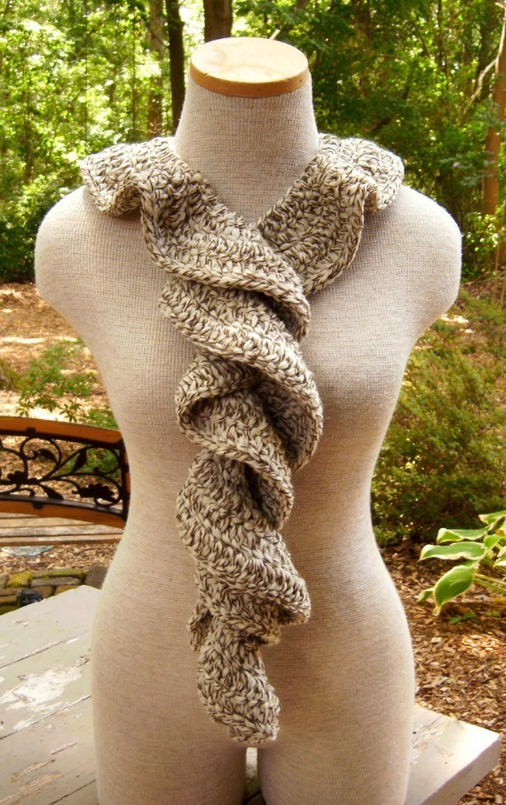 Cascade_of_ruffles_scarf_in_fisherman_oak_tweed_03