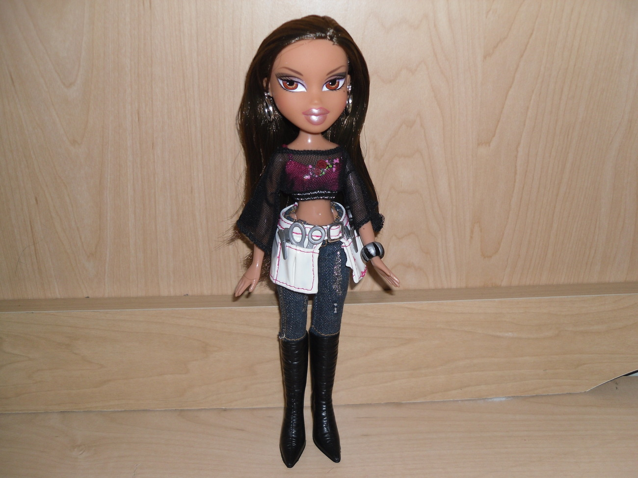 "10"" Bratz Doll Yasmin Pretty Princess Hair Stylist Hairdresser NEW"
