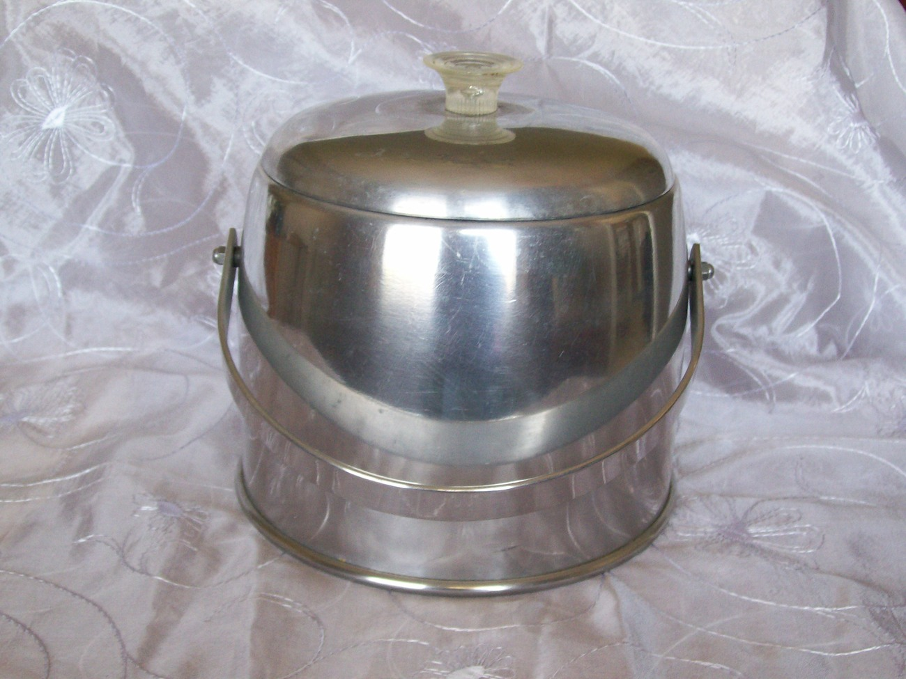 VINTAGE ICE BUCKET - Silver Plated Aluminum with Lucite Knob