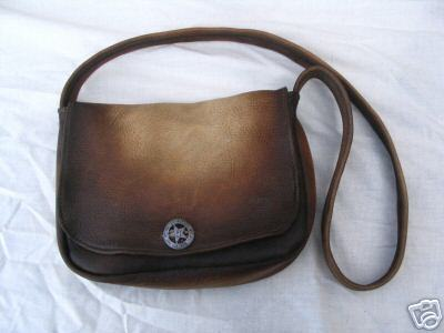 Tailored_dist_purse