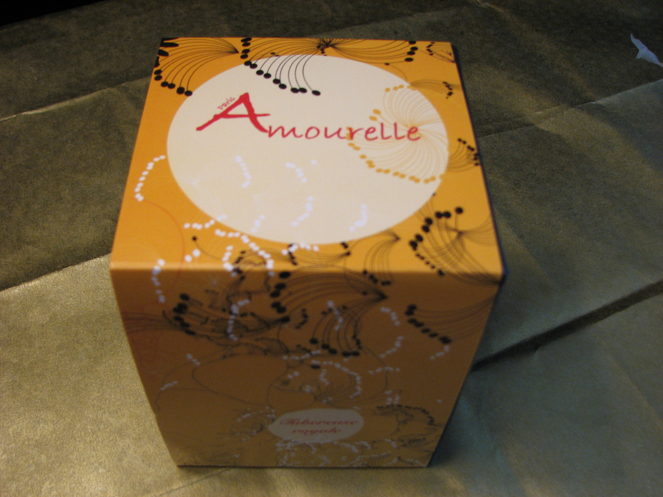 Amourelle Paris Royal Tuberose Candle 3.9 oz Wi, Mimosa Bakelite New