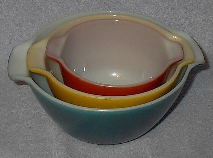 Anchor Hocking Fire King Ovenproof Three Mixing Bowl Set USA