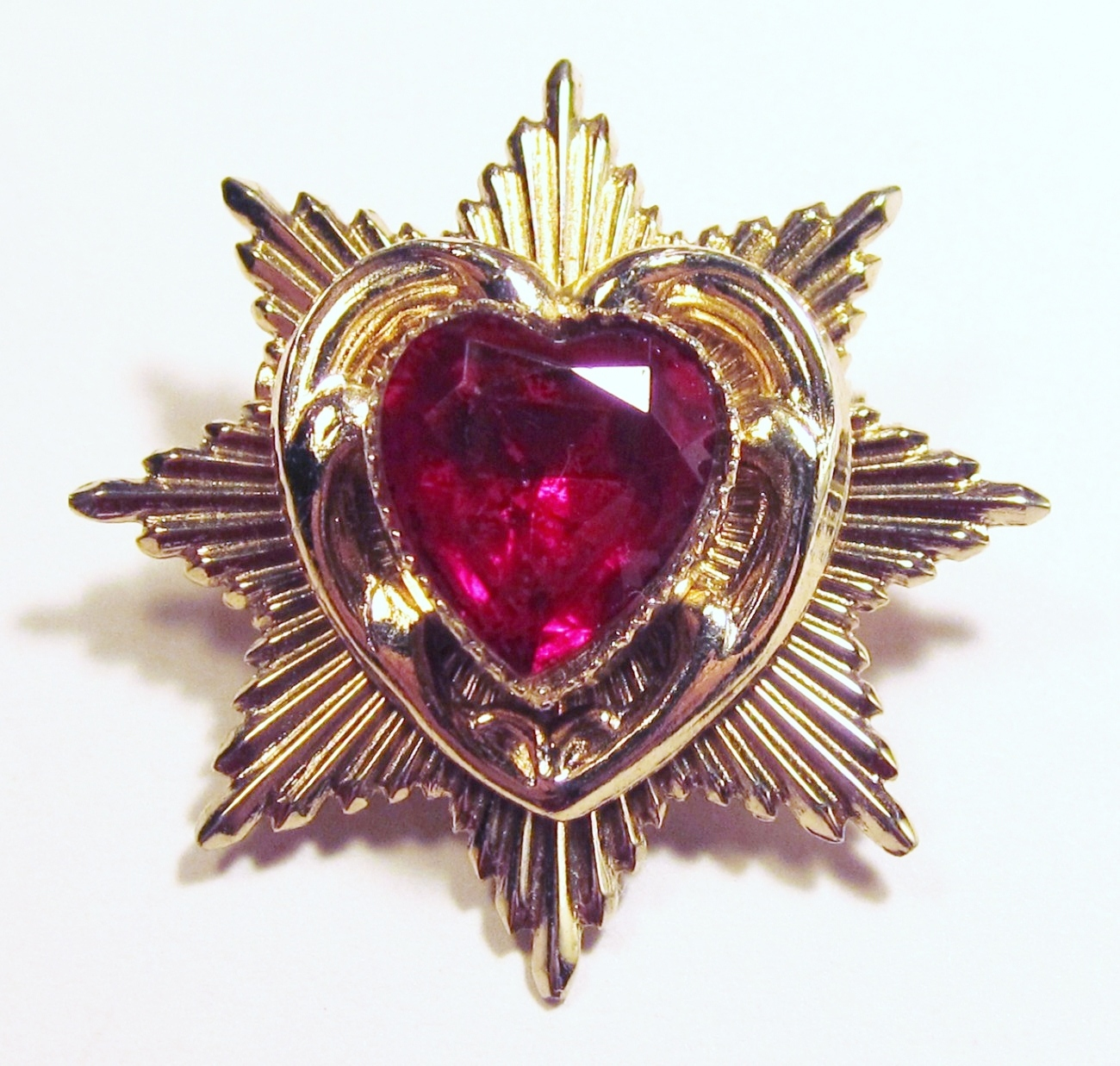 Coro_heart_brooch