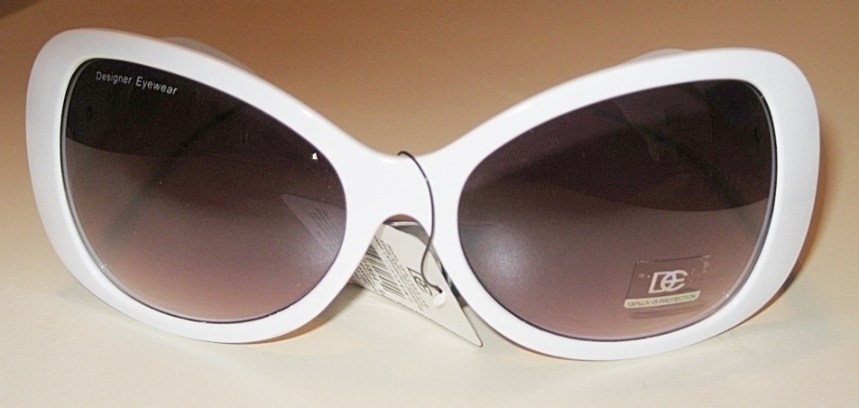 White Frame Women's Fashion Sunglasses (DE80)