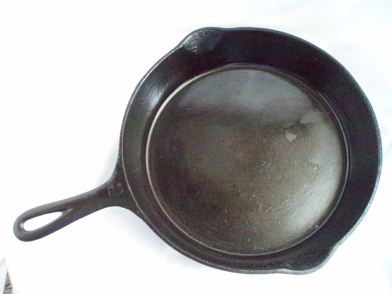 Vintage_seasoned_griswold__8_skillet