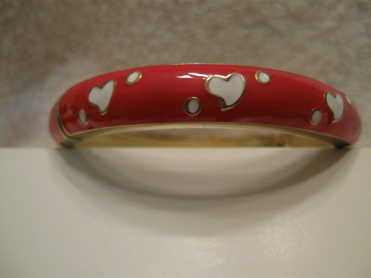 Bracelet  Red with white hearts  avg size