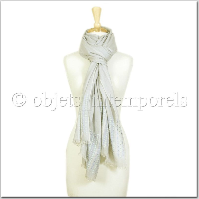 TIMELESS PIECES LIFESTYLE: Cashmere silk embroidered pashmina scarf stole wrap