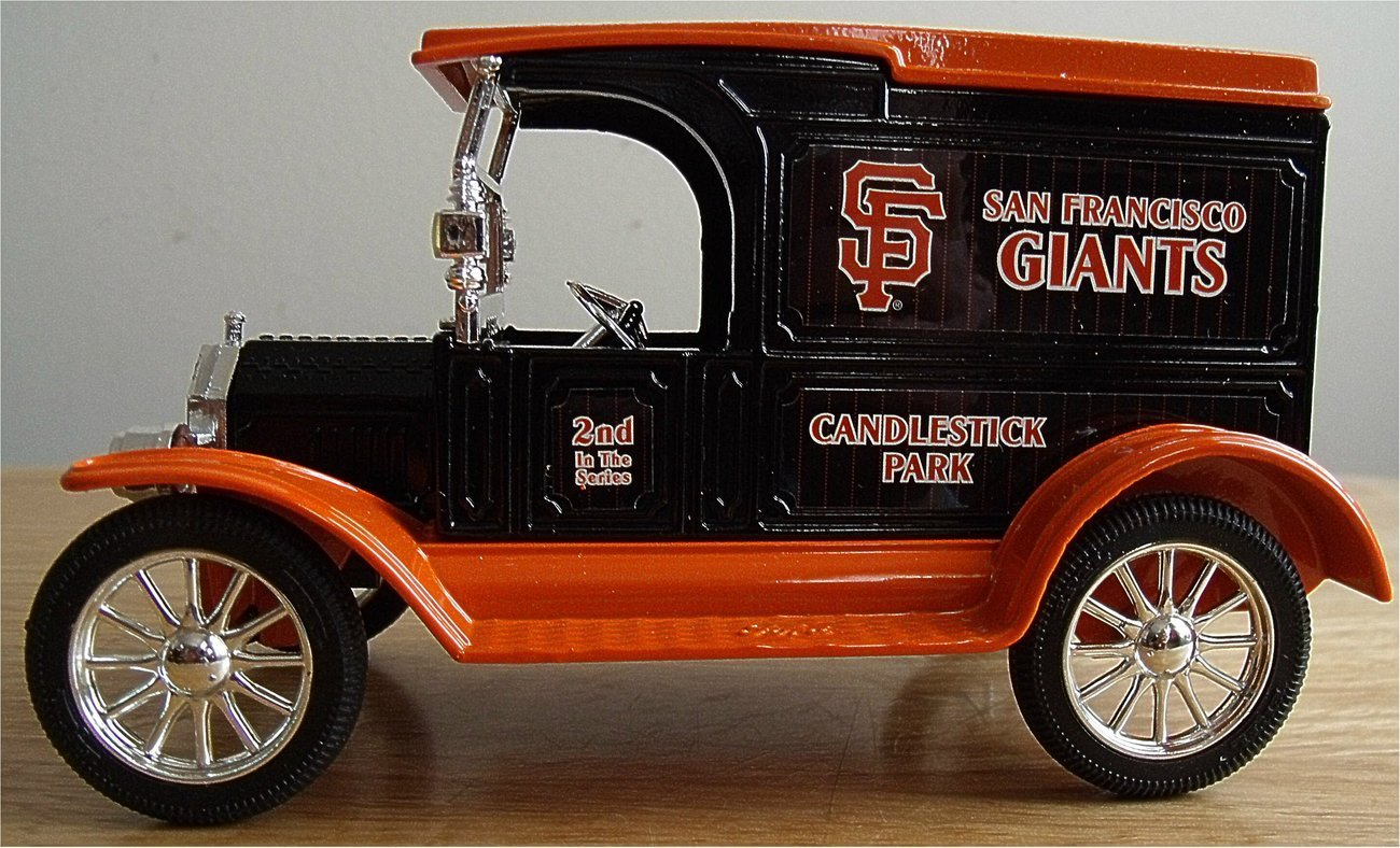 The San Francisco Giants Ertl Die Cast Coin Bank Truck American Pastime Series