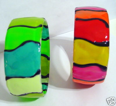 2 FROSTED Simulated GLASS RED & Green BRACELETS Bangles