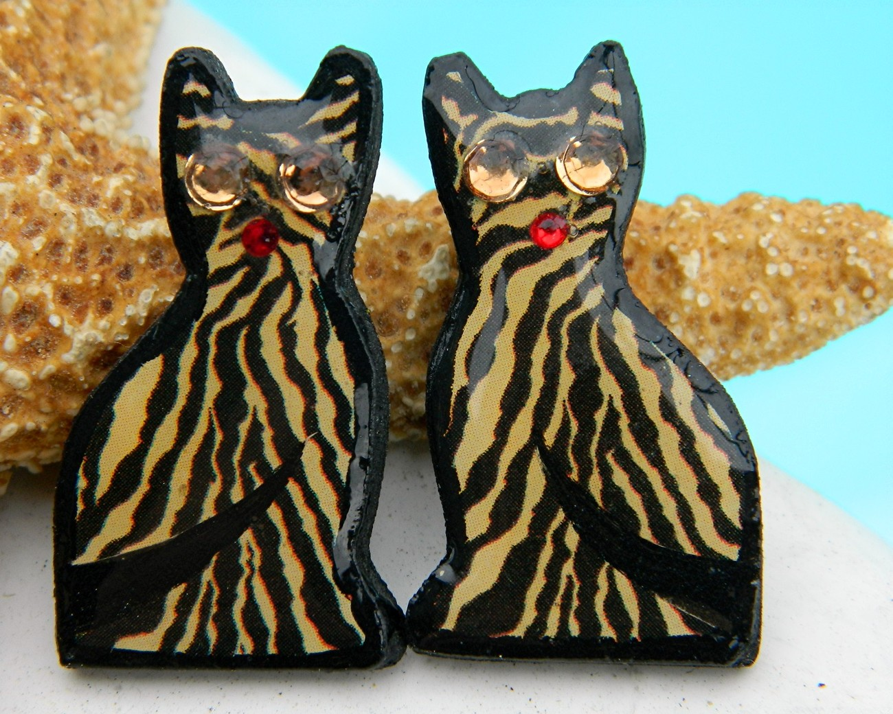 Vintage Cat Earrings Striped Tiger Tabby Handmade Black Gold
