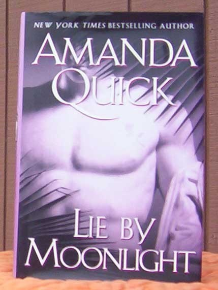 Life By The Moonlight  By Amanda Quick